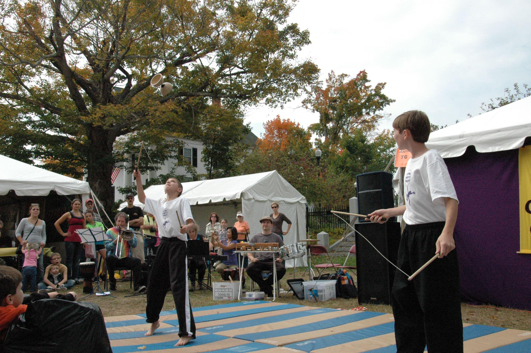 2012-10-06 Flyin Gravity Circus - Pumpkin 083.JPG