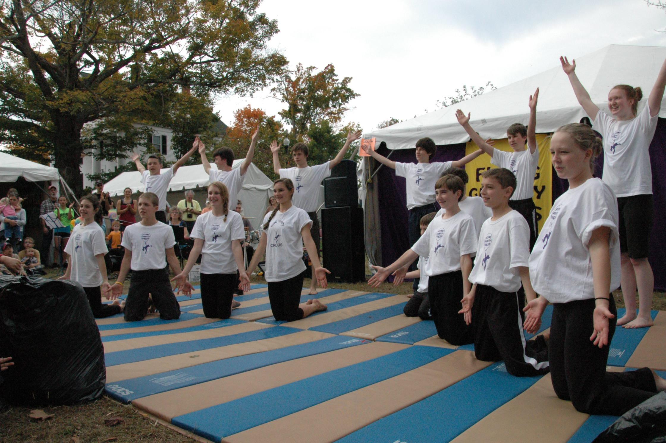 2012-10-06 Flyin Gravity Circus - Pumpkin 145.JPG