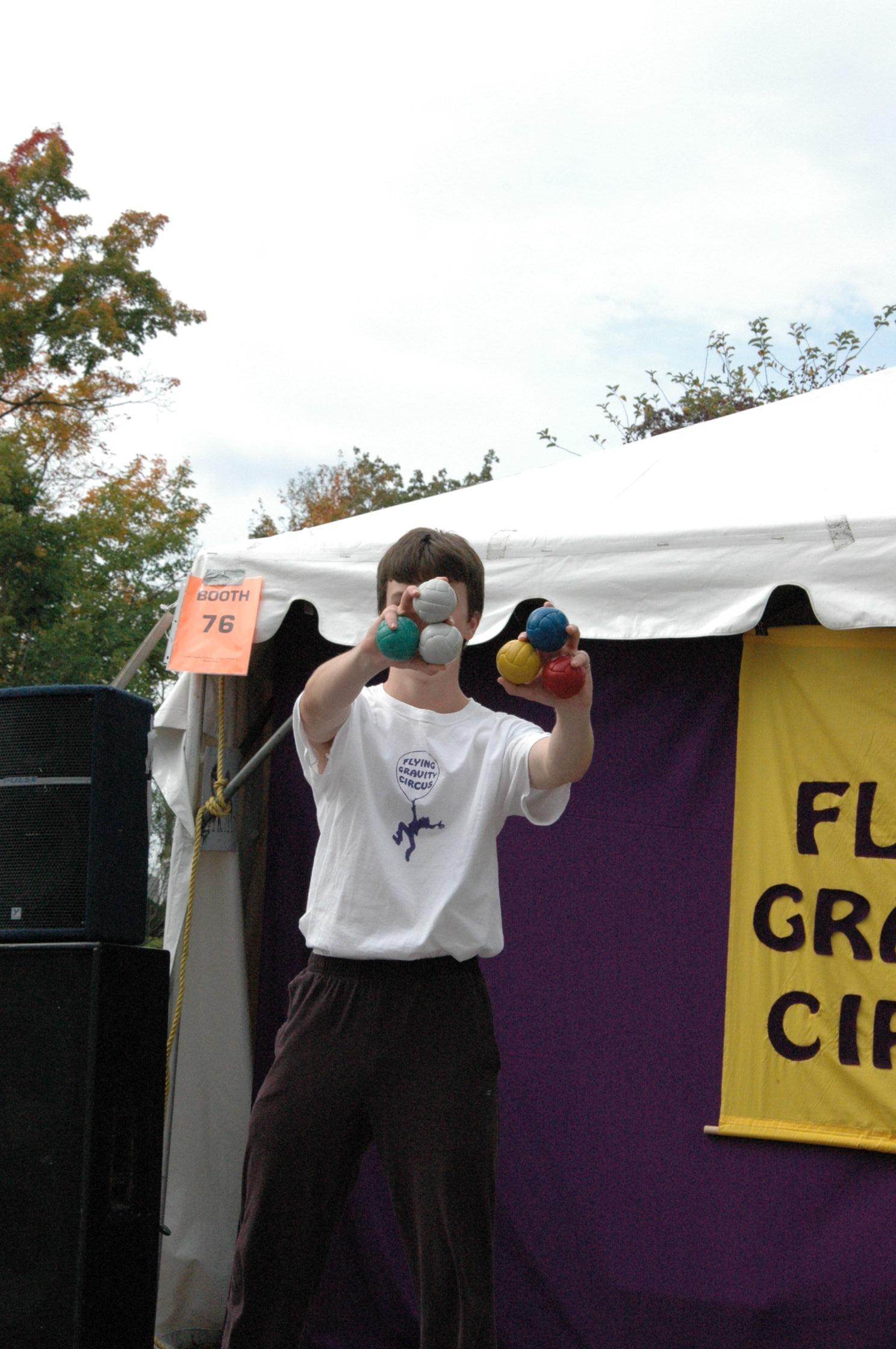 2012-10-06 Flyin Gravity Circus - Pumpkin 063.JPG