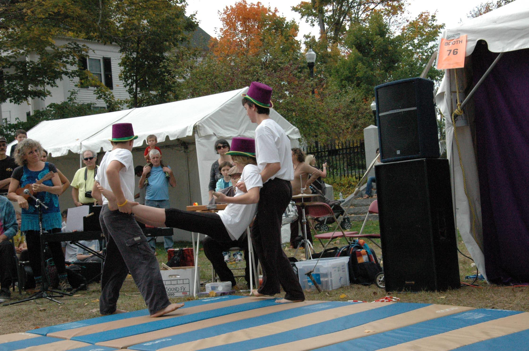 2012-10-06 Flyin Gravity Circus - Pumpkin 114.JPG