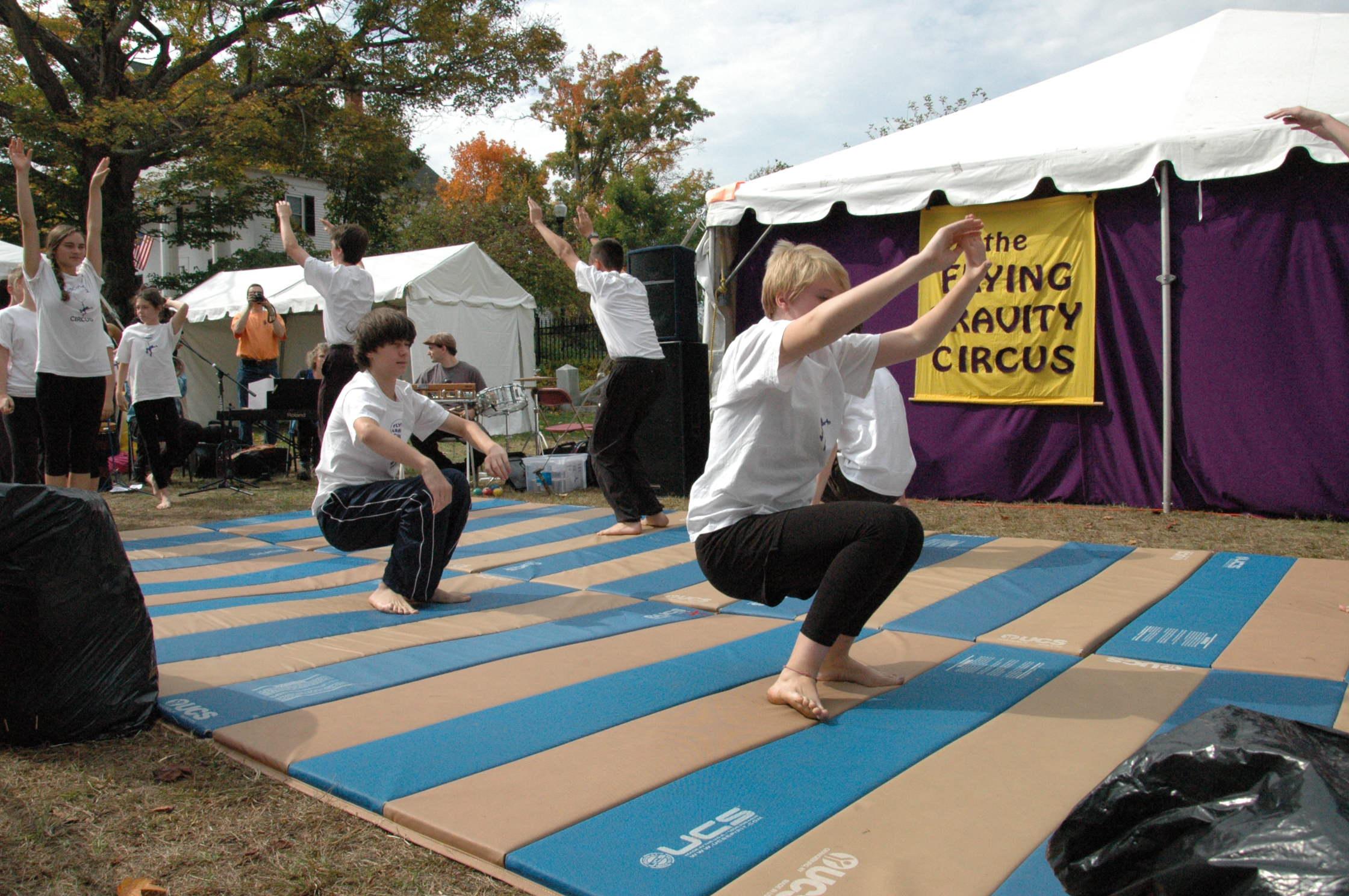 2012-10-06 Flyin Gravity Circus - Pumpkin 036.JPG