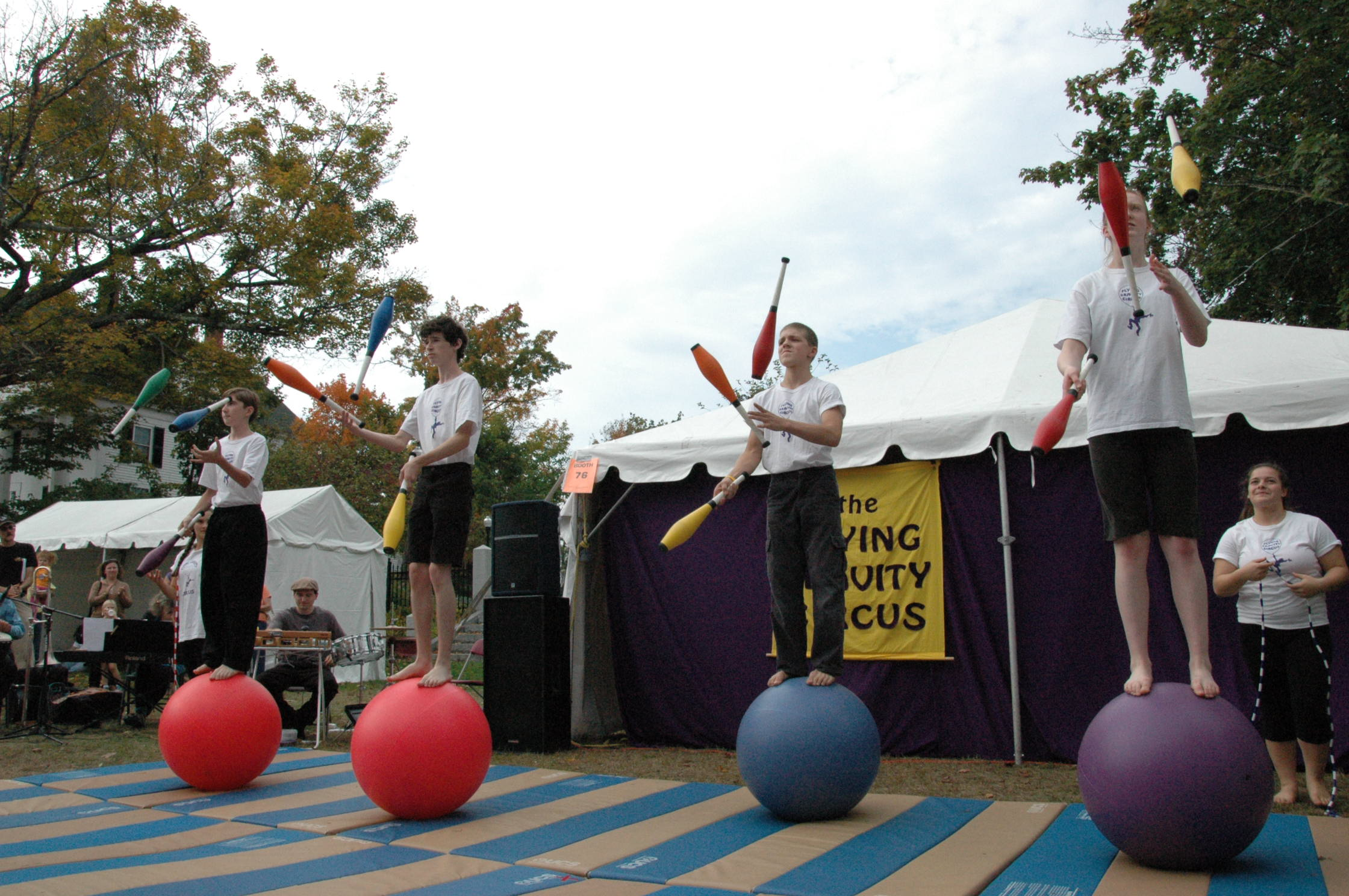 2012-10-06 Flyin Gravity Circus - Pumpkin 071.JPG
