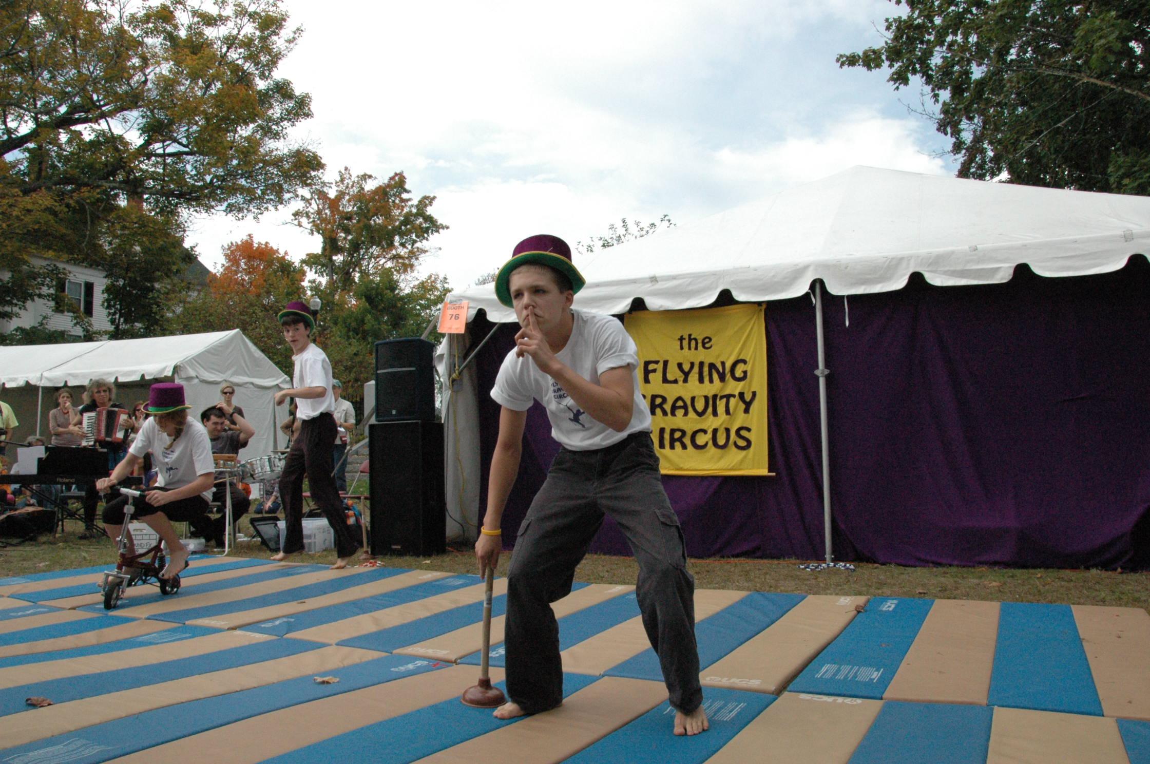2012-10-06 Flyin Gravity Circus - Pumpkin 100.JPG