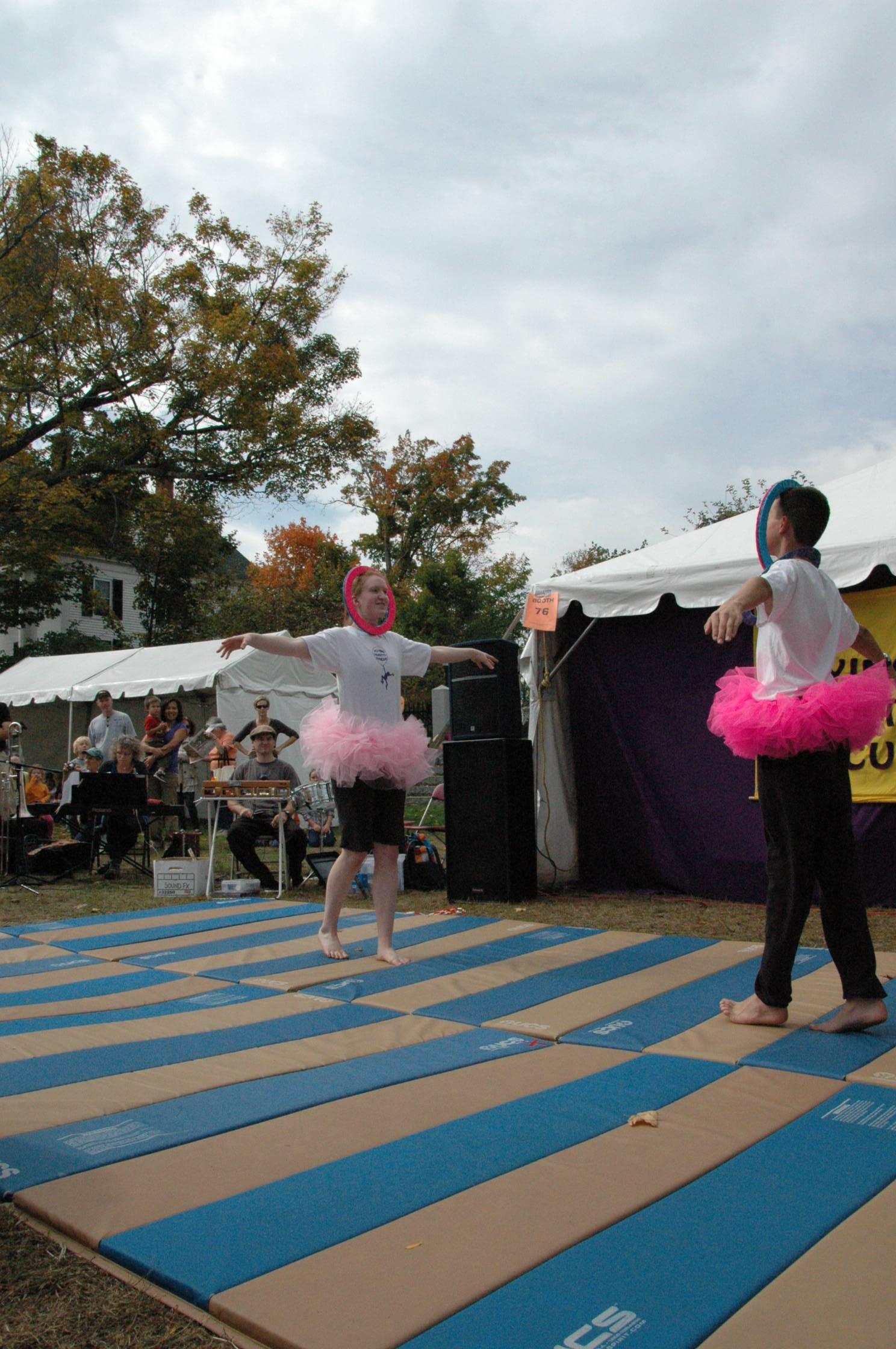 2012-10-06 Flyin Gravity Circus - Pumpkin 092.JPG