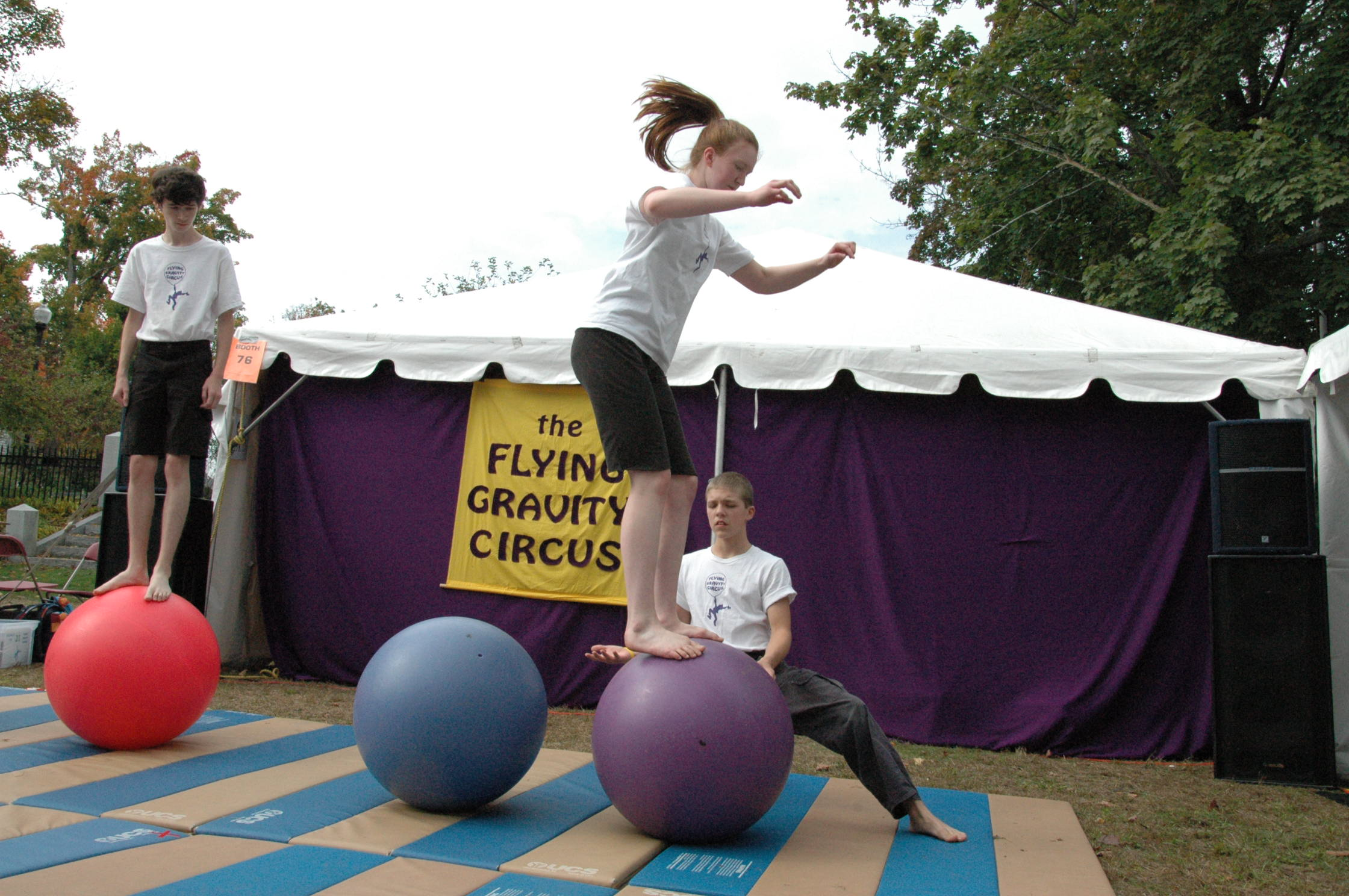2012-10-06 Flyin Gravity Circus - Pumpkin 080.JPG
