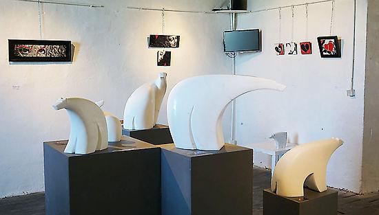 Artis Expo3 20 LR.jpg
