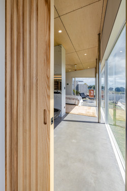 SLIDING CAVITY DOOR