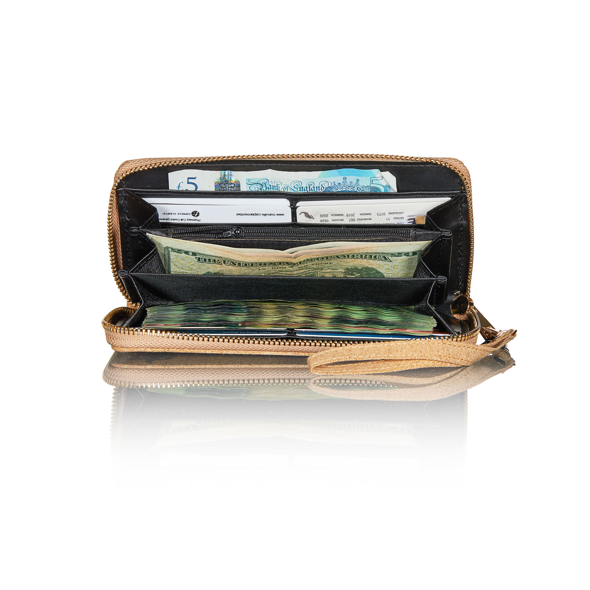 Frida ECO wallet inside.