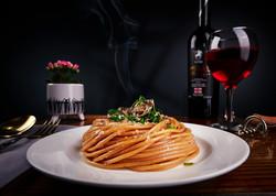 Spagetti Trafilata La Bronzo with Champignons & Italian Basil.