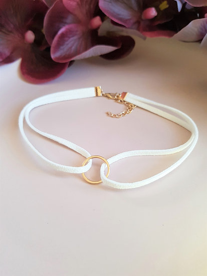 Gold Ring Leather Choker