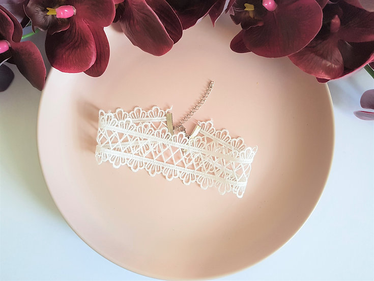 White Diamond Lace Choker