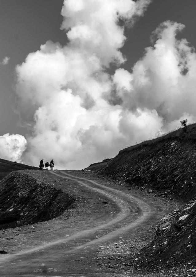 המאסף על קוו האופק במונטנגרו