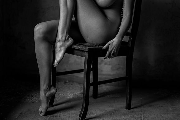 חמש רגליים ויד אחת בחורבה במושב נטעים