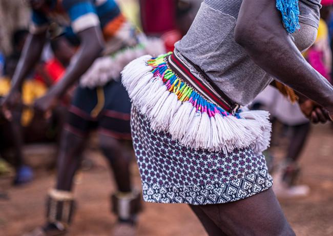 מחוללים בקצב מסחרר בכפר בגאנה