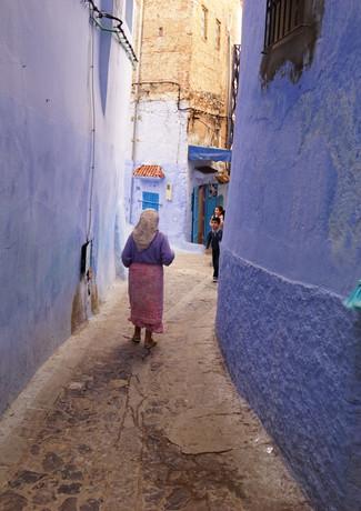 מטאטא ואישה  במרוקו