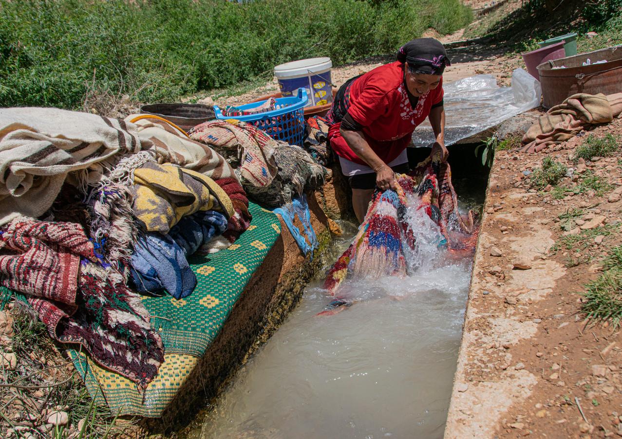 בקלילות ובשמחה בנחל במרוקו