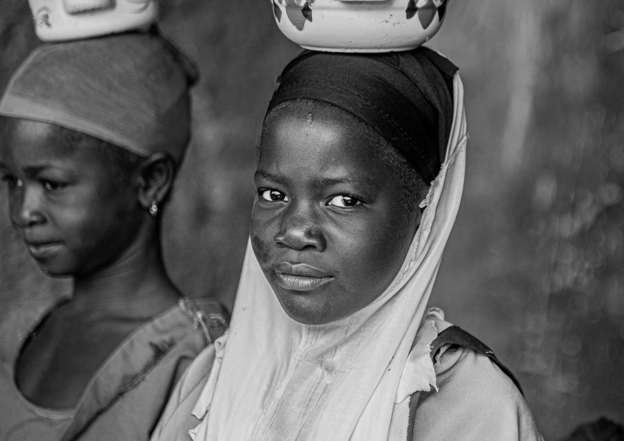 יציבות בדרך אל הבקתה בגאנה