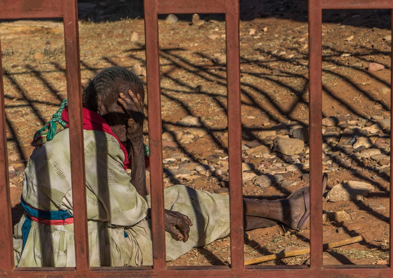 מבעד לסורגים באתיופיה