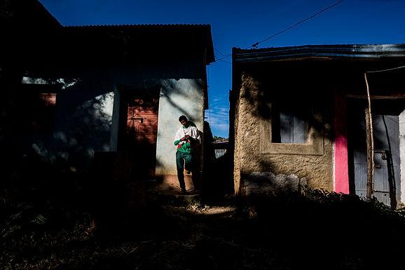 אני והוא  בקרן רחוב באתיופיה