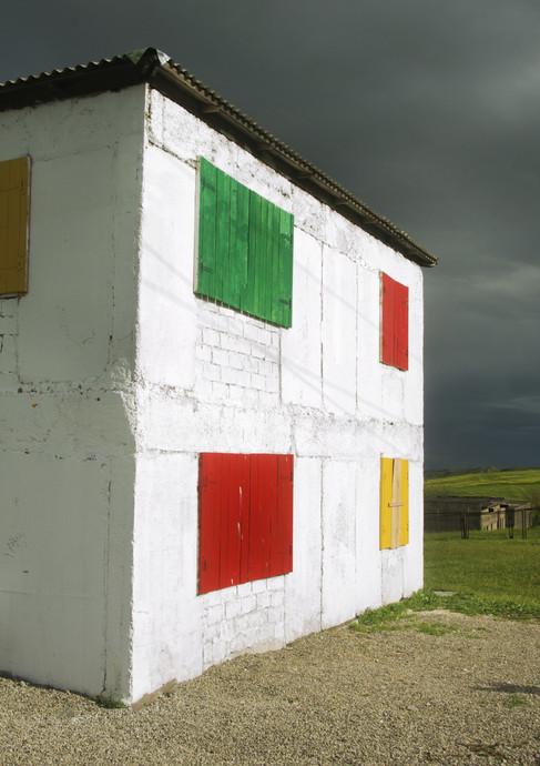 אדום צהוב כחול וירוק במונטנגרו