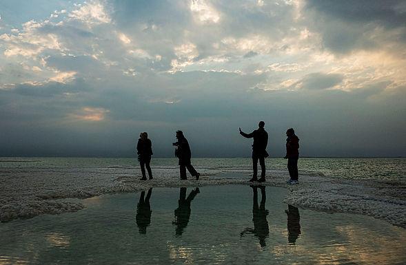 חבורה שכזו בים המלח