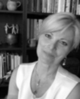 Spirital teacher, Ronda LaRue, Soul Arts private personal retreats for indivduals and couples in marriage relationship, Oja California USA