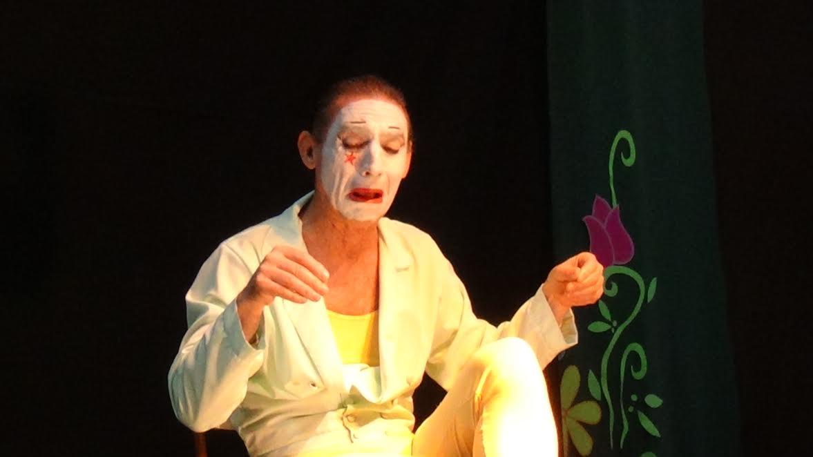 11-Aventura Silenciosa - Teatro El Cisne