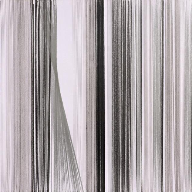 N 32 de la serie LINEALES- grafito y rot