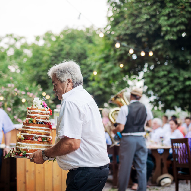Hochzeitstorte_Spatzenbauer-min.jpg