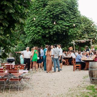 Gastgarten_Hochzeit_Tischdekoration_Spat