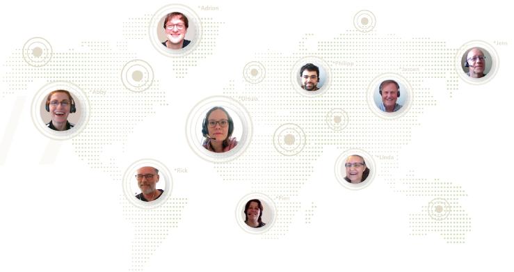 EN_Customer_Service_Worldmap_people_700.
