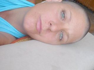לפני איזה 9 שנים חליתי בסרטן שד, גליתי שאני נשאיתי גן ברכה, brca,  גן שברגע שיש אותו איתי ובתוכי, יש