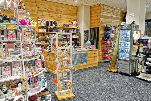 Outdoor-Sport-Shop-Sportbekleidung-Gosau-Familux Resort Dachsteinkönig