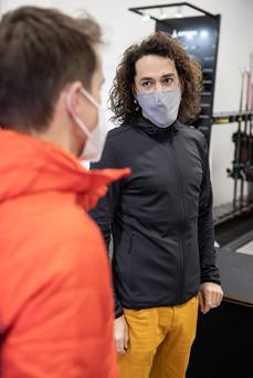 Beratung im Test Center-Checkpoint Sport Skiverleih