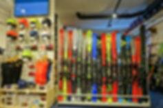 Ski Schuhe und Ski Ausrüstung kaufen-Ski Verleih-Snowboard Verleih-Ski testen und kaufen-Sport Geschaeft-Schneesport Laden Dachstein West-Atomic Ski kaufen-Fischer Ski kaufen-Worldcup Ski ausleihen-Rennski Verleih Dachstein West