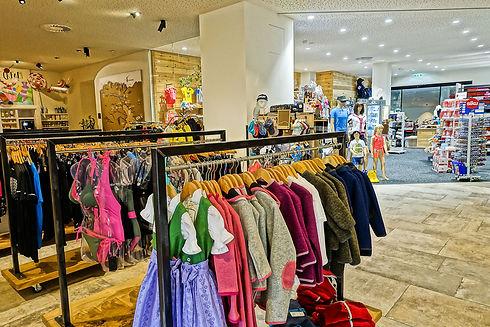 Outdoor-Sport-Shop-Kinderbekleidung-Schuhe-Spielsachen-Sonnenbrillen-Gosau-dachsteinkoenig resort