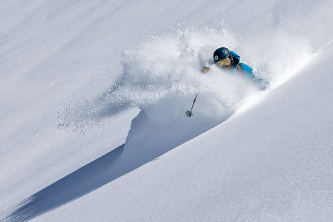 Ski Ausrüstung in Gosau leihen-Schneeschuhe ausleihen Gosau-Schneeschuhvermietung Dachstein West-Checkpoint Sport Gosau Ski & Snowboard Verleih-Skischuhe in Gosau mieten-Online Ski buchen Dachstein West