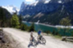 Gosausee-Fahrradverleih-E-MTB Verleih-Fahrradverleih-E-Bike Verleih Gosau-Salzkammergut-cooee alpin hotel dachstein