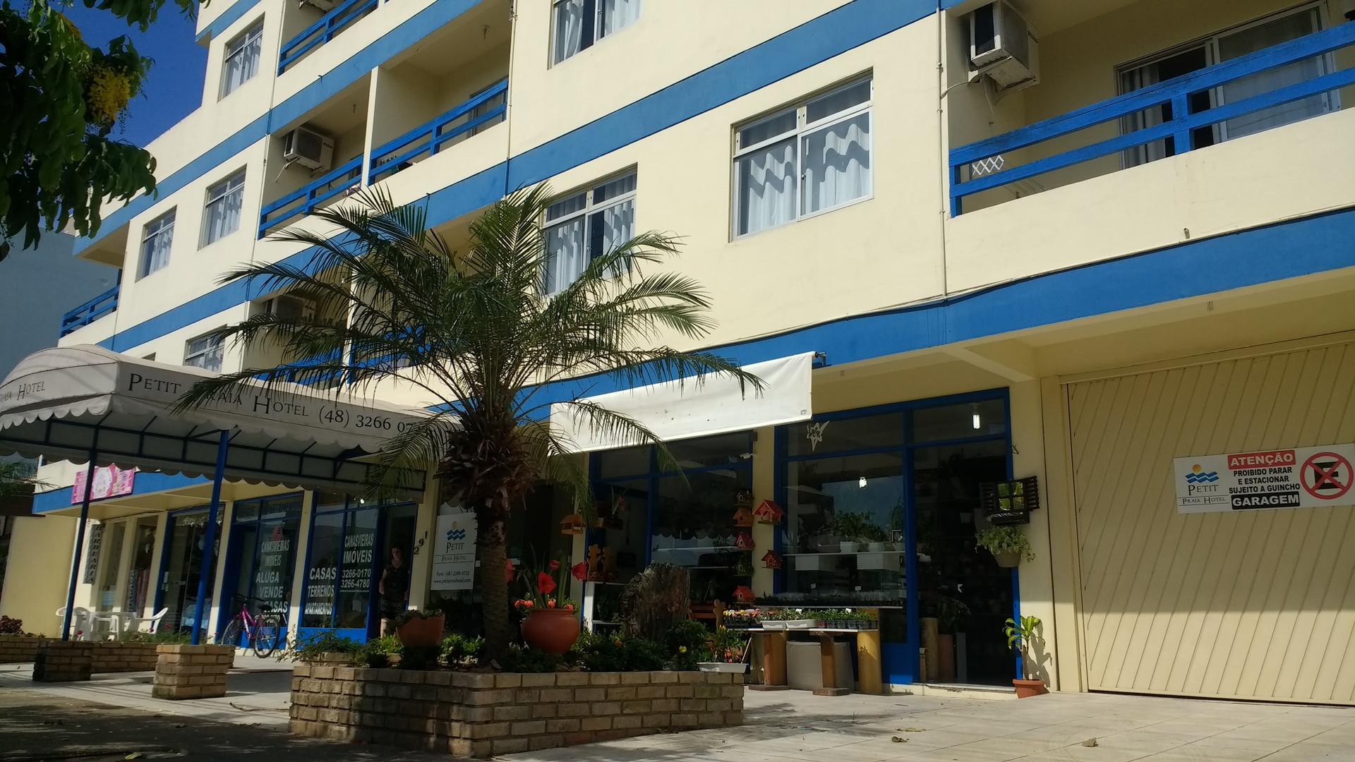 Petit Praia Hotel