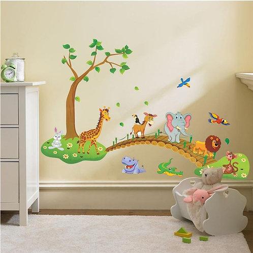 מדבקת קיר -עץ עם גשר - ג'ירפה, אריה, תנין וקוף