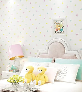 wallpaper-kids-room-blue-dots-min.jpg