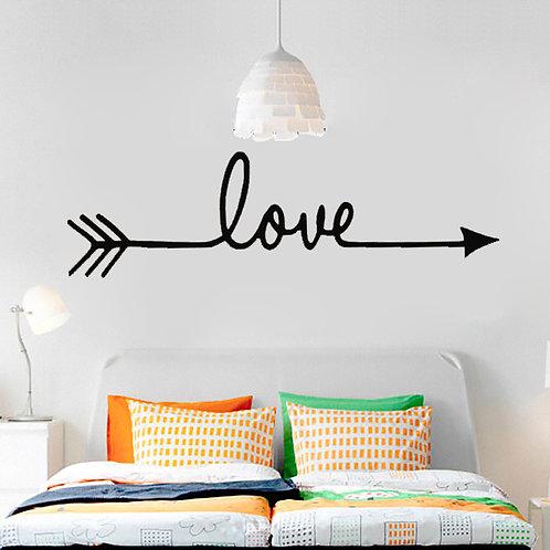 מדבקת קיר אהבה עם חץ
