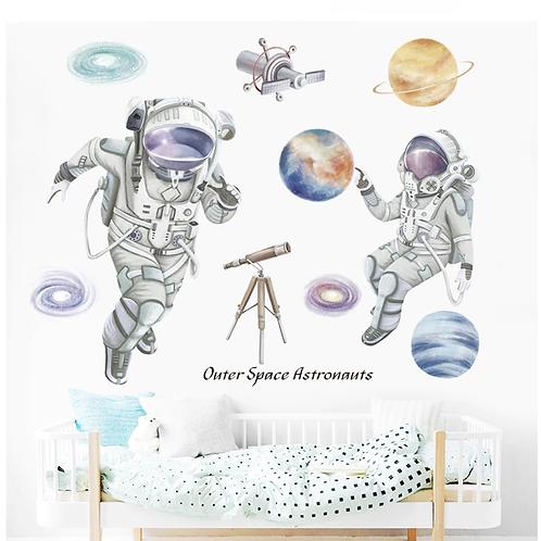 אסטרונאוטים בחלל