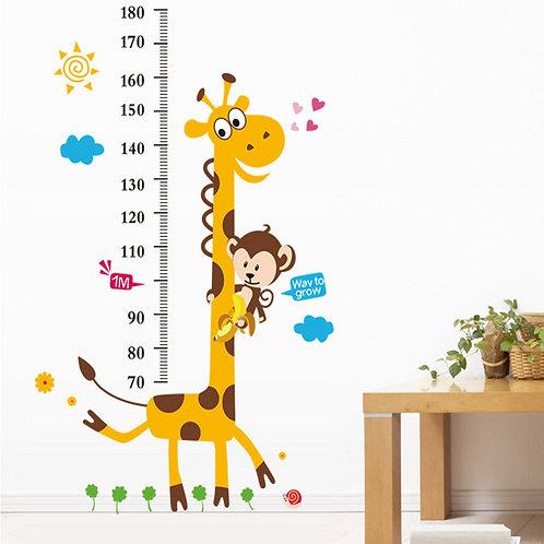מדבקת קיר - מדידת גובה עם ג'ירפה וקוף קטן