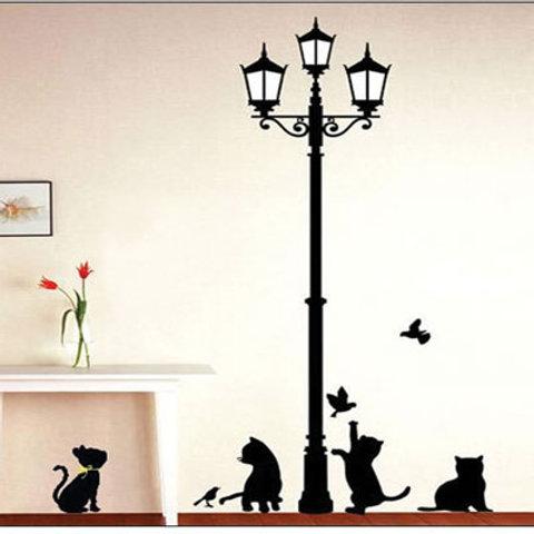 חתולים ופנס רחוב