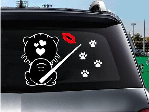 Funny Cat Kiss - מדבקת קיר לרכב - חתול עם לב וזנב נע