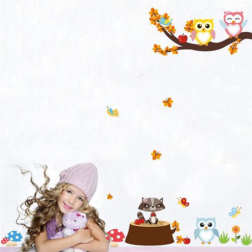 מדבקת קיר ענף עץ עם ינשופים ובעלי חיים מצוירים