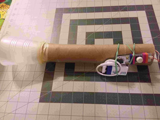 How to make a flashlight with a Littlebits electronics board and a paper towel roll with your kids