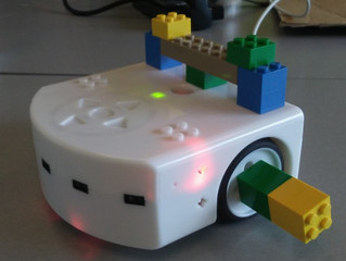 Free robotics classes at the Washington DC libraries with the children for the summer