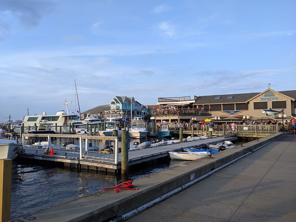 Nancy's-Restaurant-Oak-Bluffs-Martha's-Vineyard-harbor